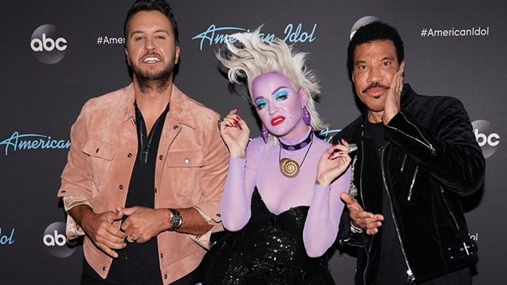 Katy Perry judged 'American Idol' contestants dressed as a Disney villain