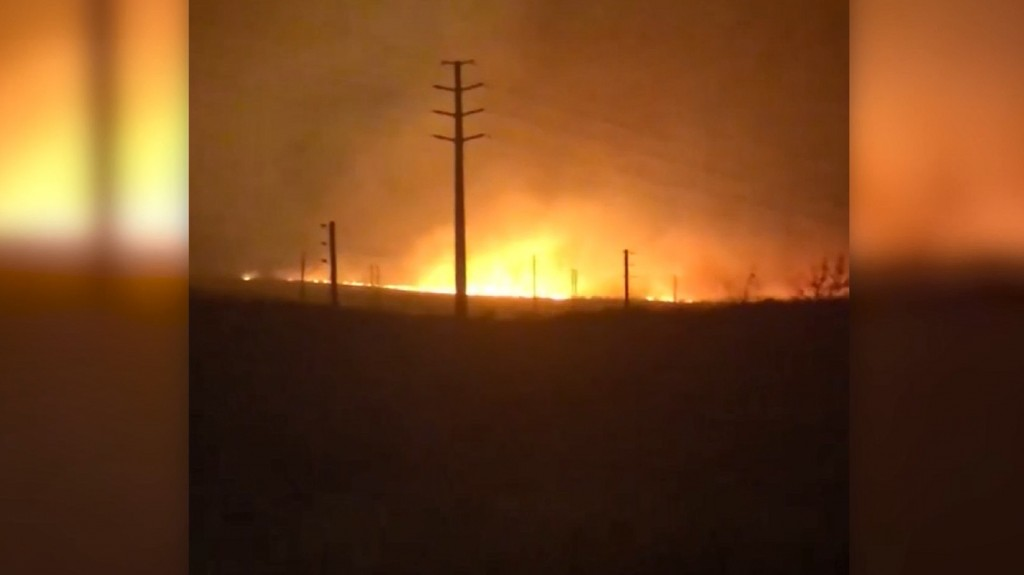Some Hawaii residents lose homes after brush fires hit Maui
