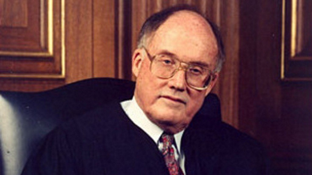 How the last chief justice handled an impeachment trial