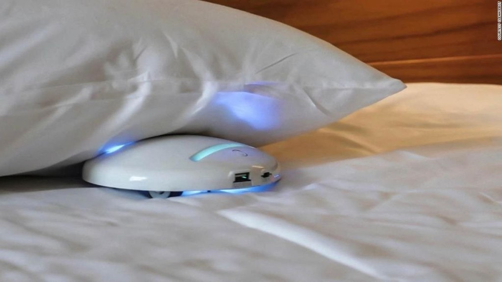 Portable robot will sanitize your hotel bed sheets