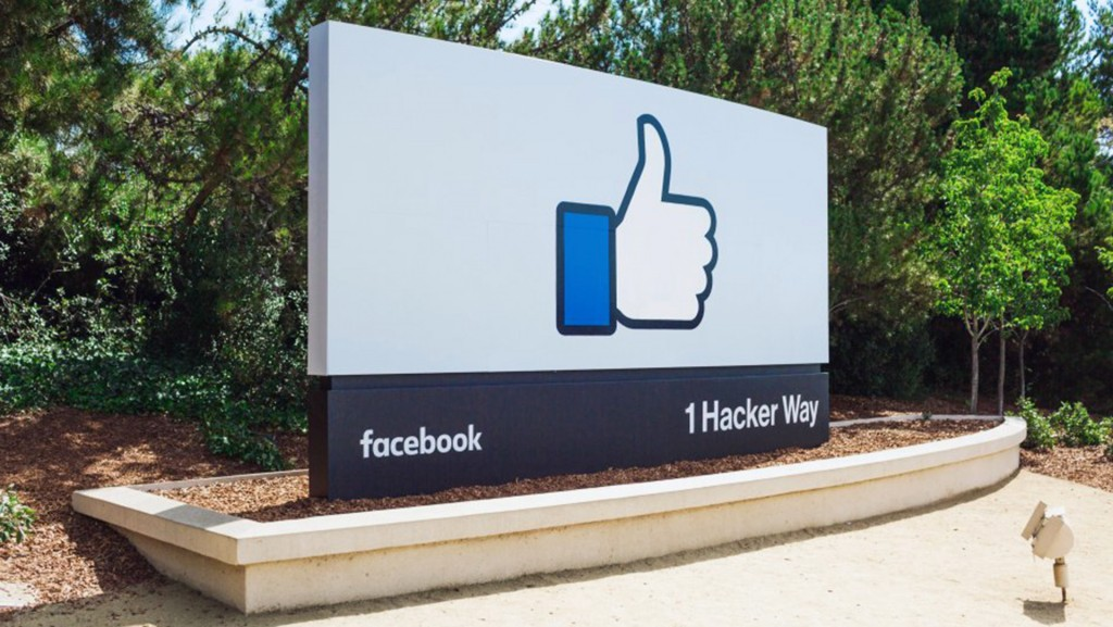 Facebook revenue, user growth falls short of expectations