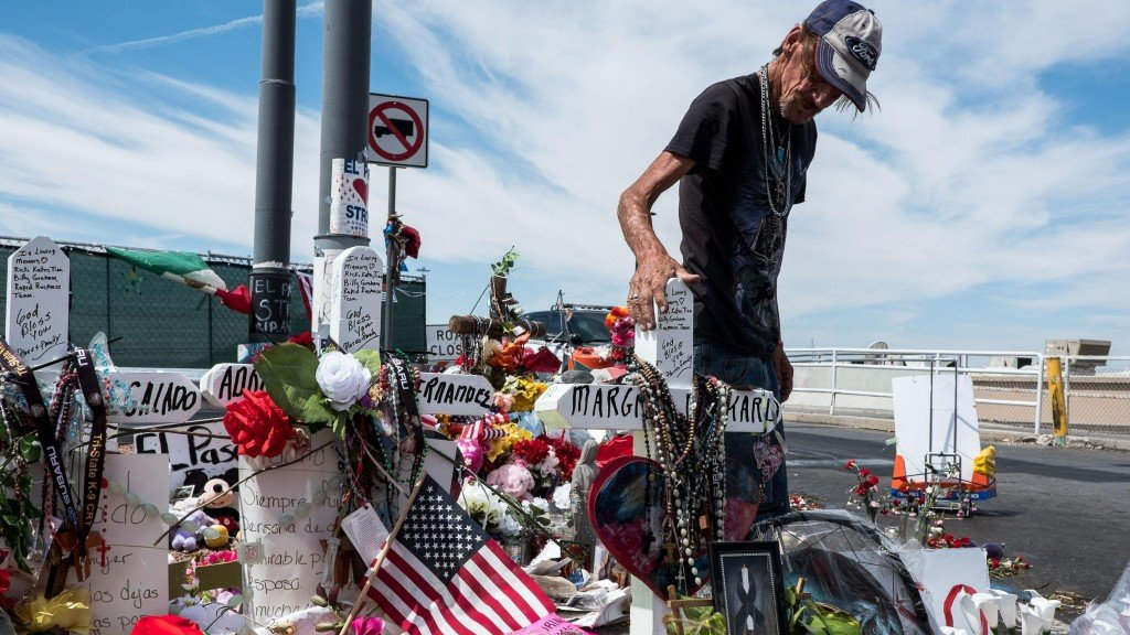 Man welcomes public to wife's visitation after El Paso shooting death