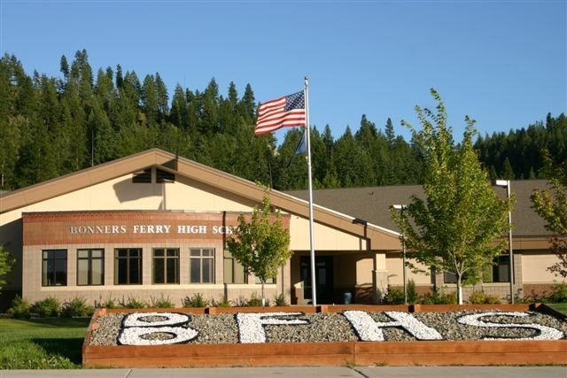 Bonners Ferry High School evacuated due to bomb threat
