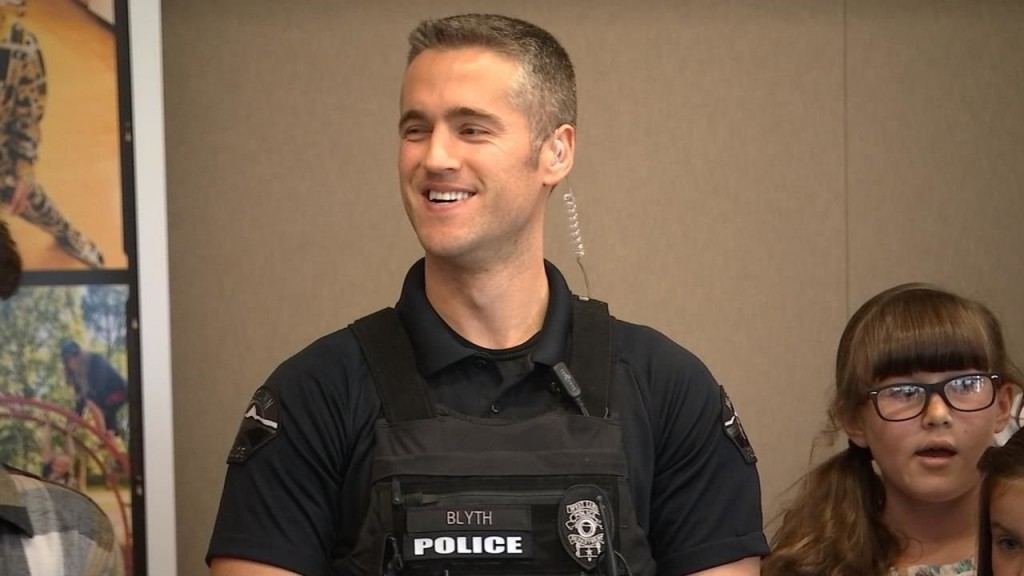 Oregon officer receives 'Why We Serve' grant