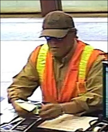 Costumed robber holds up Tacoma bank