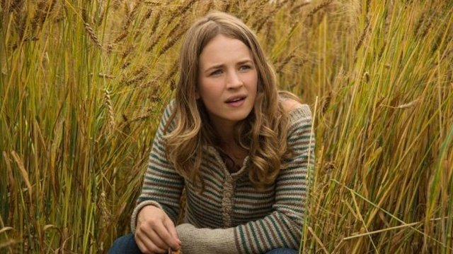 Get to know Britt Robertson