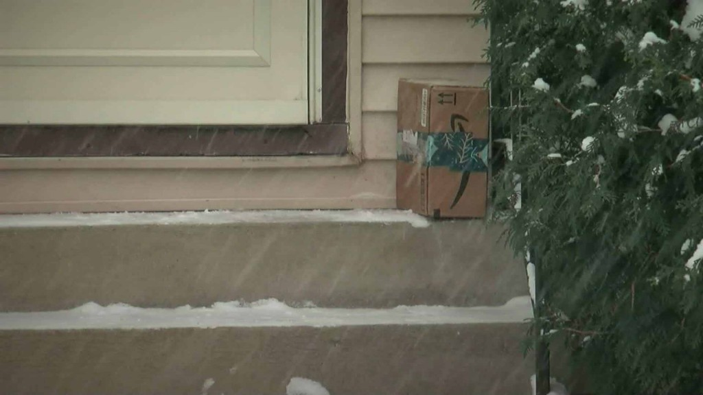 Porch pirate stole package, resident leaves snarky note