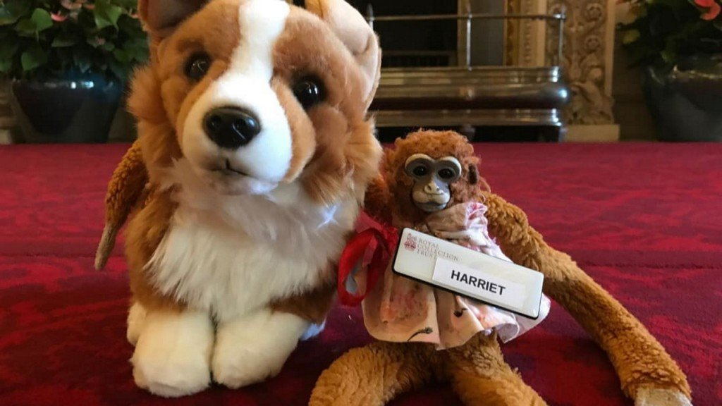 Lost toy monkey gets VIP treatment from Buckingham Palace staff
