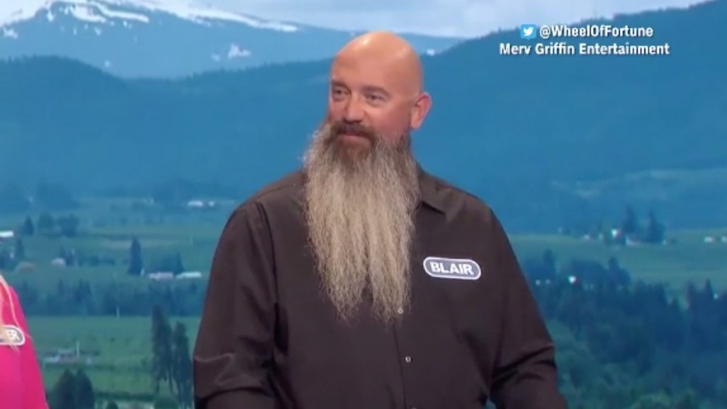 Contestant uses his intro to say he's trapped in loveless marriage