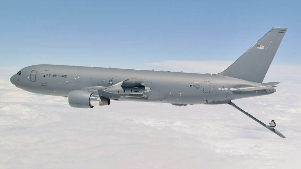 US Air Force says trash found on Boeing refueling planes