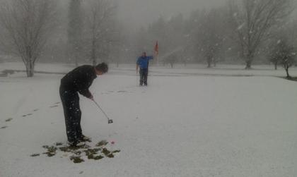 Kellogg High School Golfers Go For The Green In The White