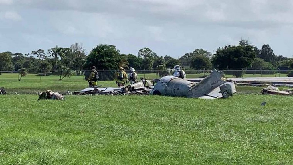 Pilot killed when plane crashes at air show in Florida
