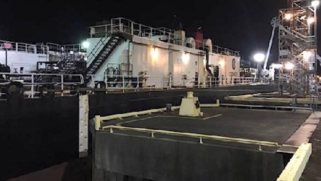 Oil being recovered from spill in Washington state