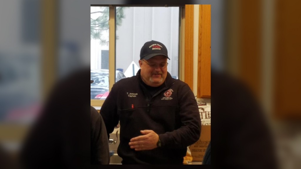 Idaho firefighter retires after 33 years