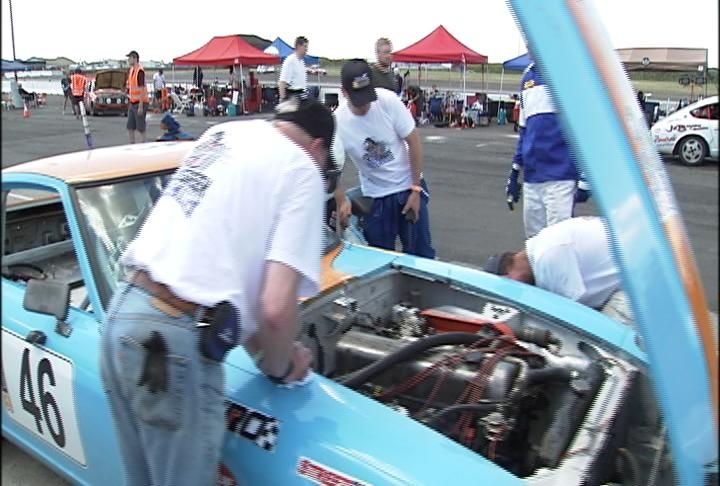 VIDEO: 36-hour endurance race continues