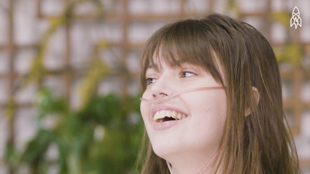 Inspirational speaker Claire Wineland dies one week after lung transplant