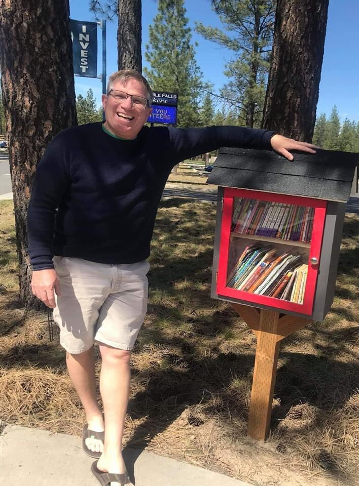 Nine Mile Falls Elementary Principal builds lending library for students staying home