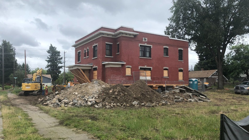 Rose Apartments Move