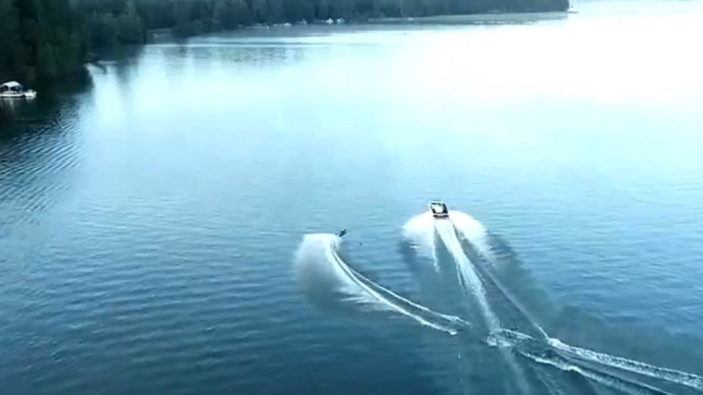 Waterskiing Air 4