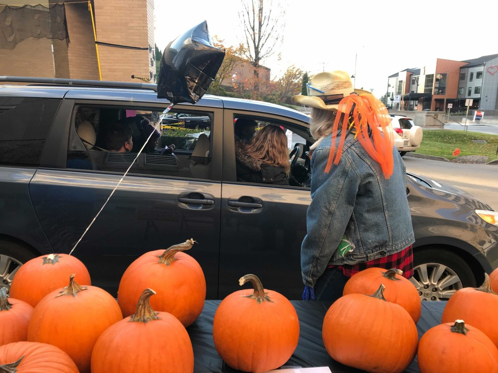 pumpkins and car