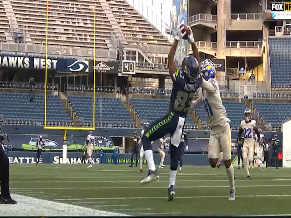 Seattle's David Moore makes a great catch in a Seahawks win over the Rams