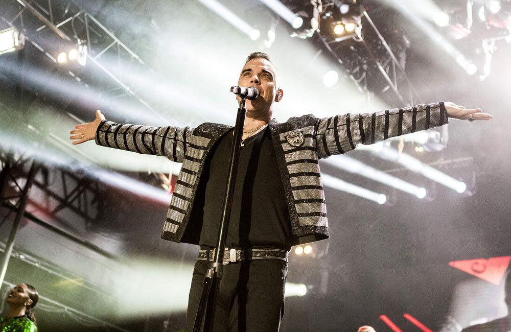 Robbie Williams Tests Positive For Coronavirus On Holiday