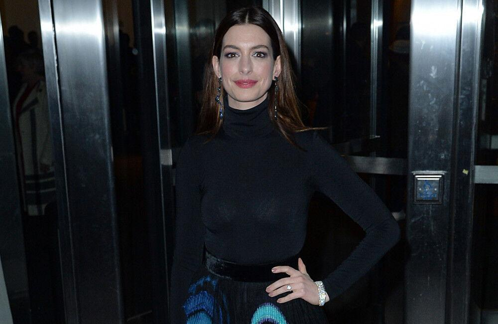 Anne Hathaway Glad She Was Pregnant With Second Son During The Witches