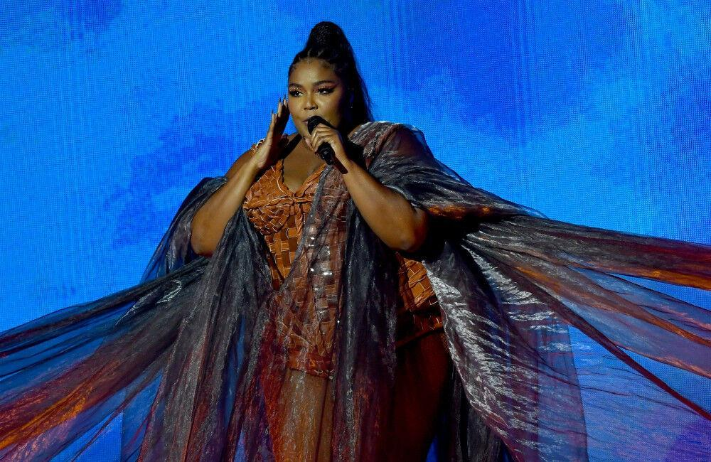 Lizzo Wanted To Change Her Looks Because She Didn't Feel 'worthy'