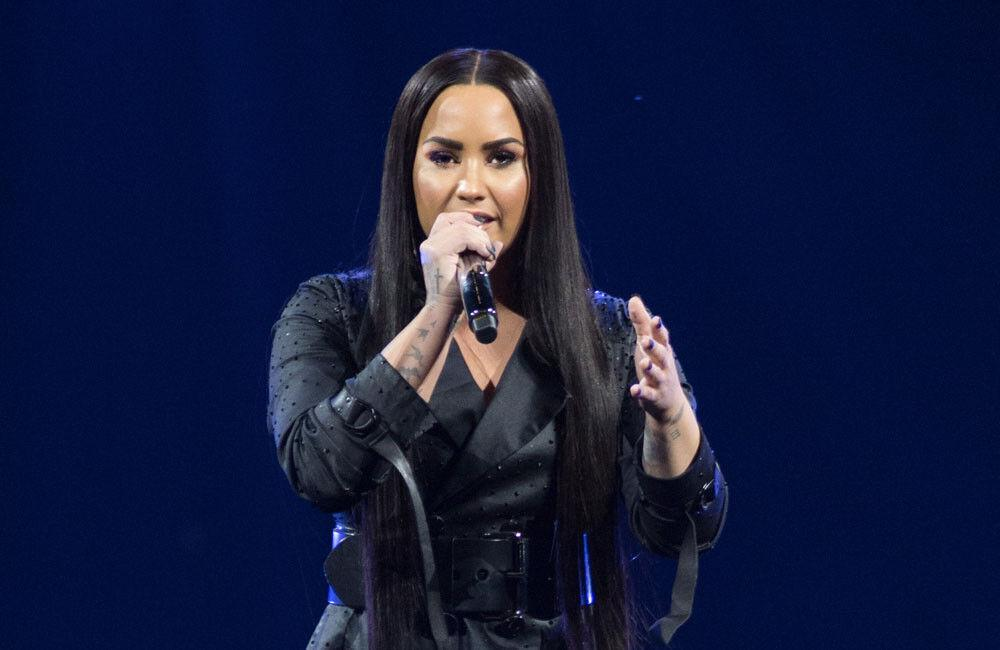 Demi Lovato Apologizes To Frozen Yogurt Store: 'i'm Sorry That I Got The Messaging Wrong'