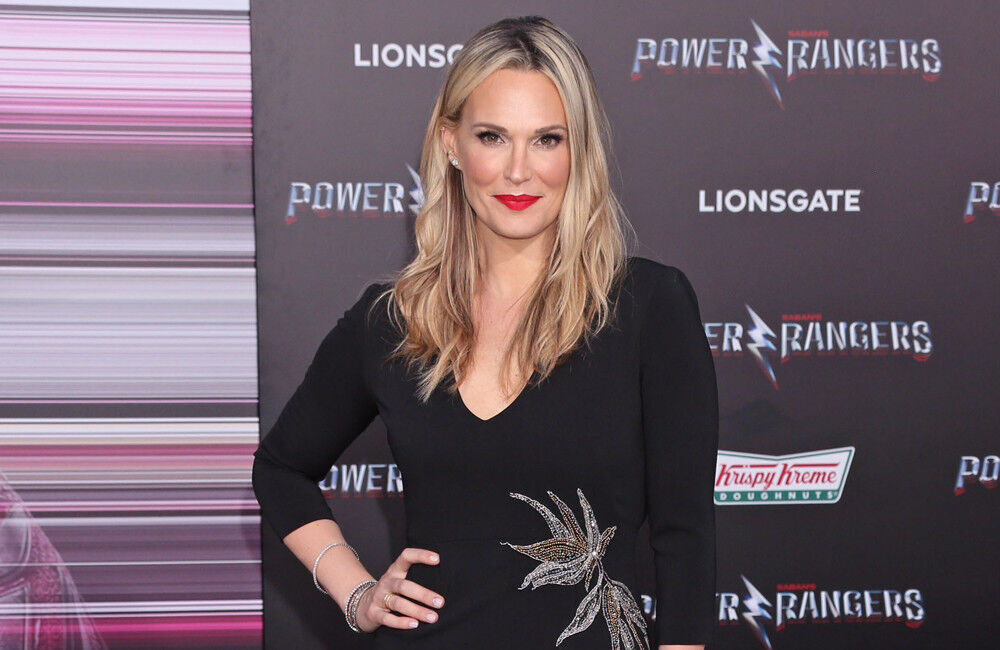 Molly Sims Has 3 Minute Showers