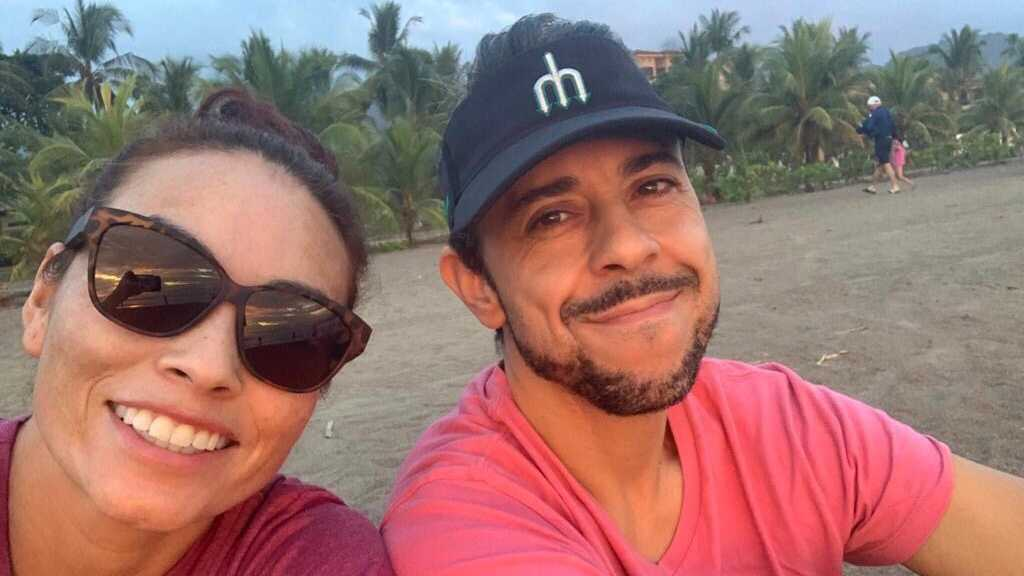 Costa Rican couple flies to America for COVID vaccines