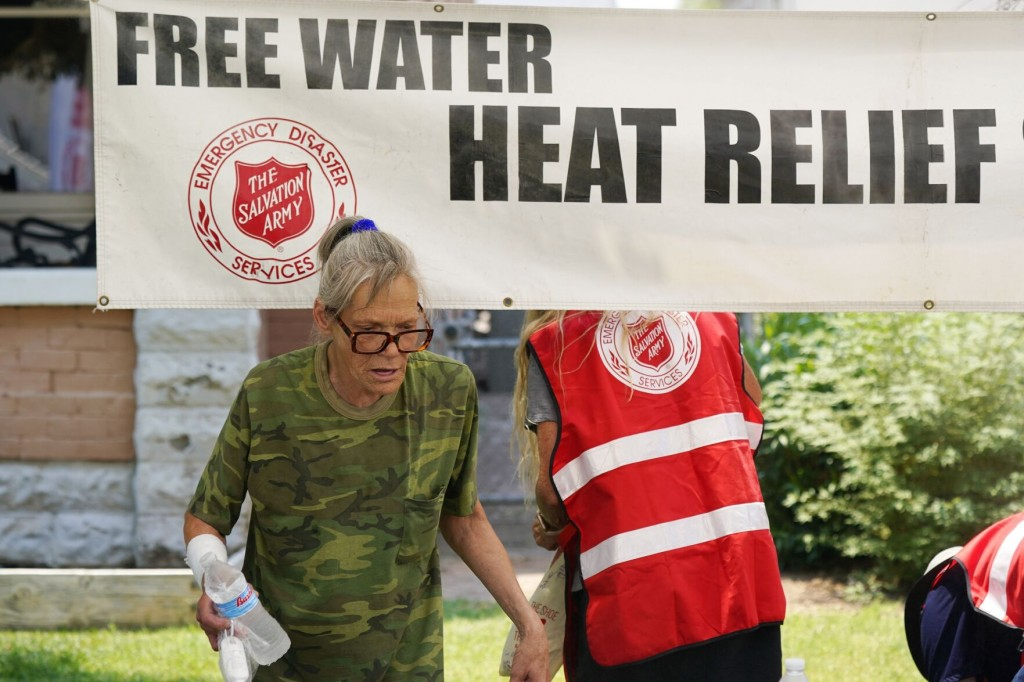 Us West Swelters In Record Busting Heat, Risking Wildfires
