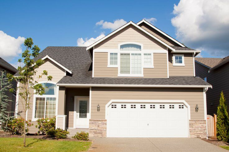 How To Buy A New House While Selling Your Old One