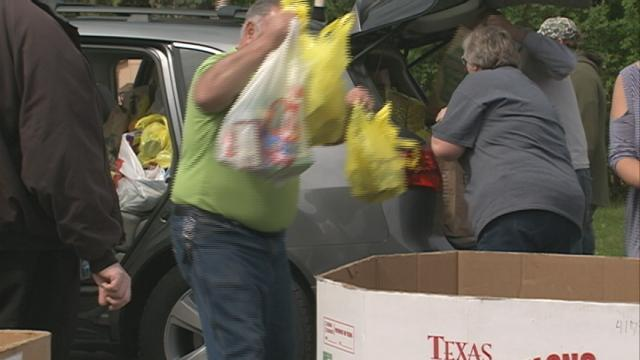 Community comes together for Letter Carriers' Food Drive