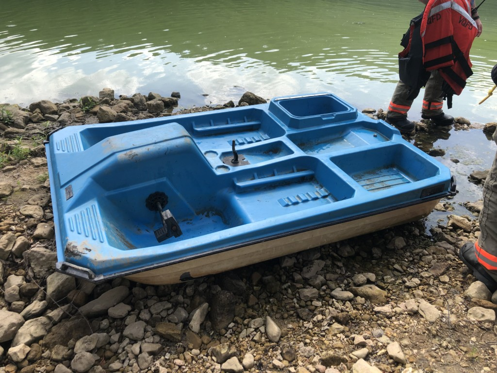 Two people rescued from Vernon County lake after boat capsizes