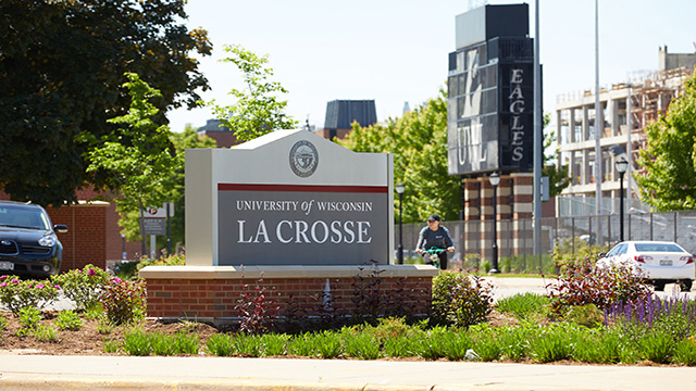 La Crosse among top 20 college towns in country
