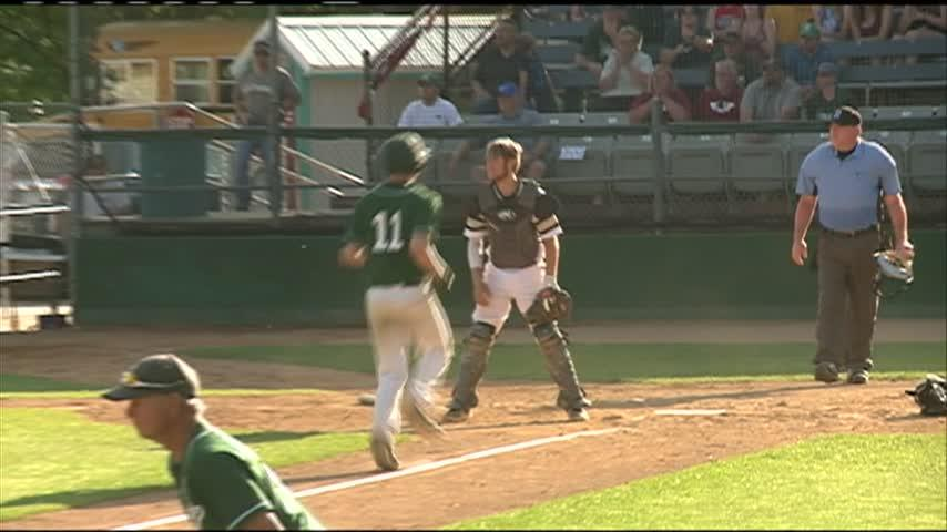 La Crescent-Hokah sweeps Caledonia in Section 1AA finals to punch ticket to state tournament