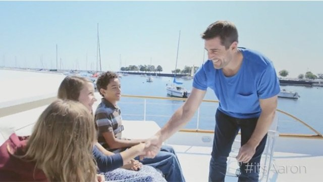 Aaron Rodgers surprises kids who lost parents in military
