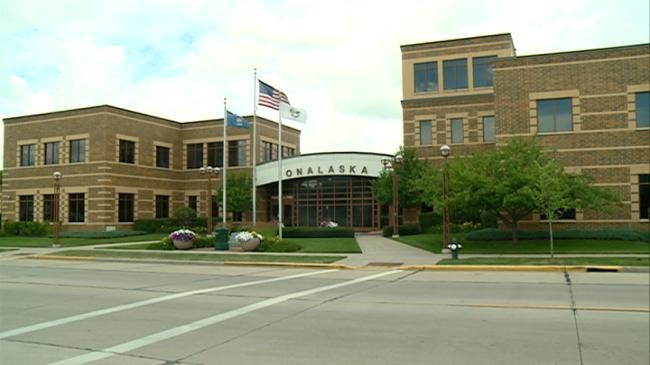 Onalaska to hire city administrator