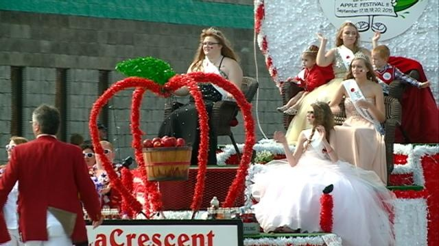 Applefest wraps up with annual parade