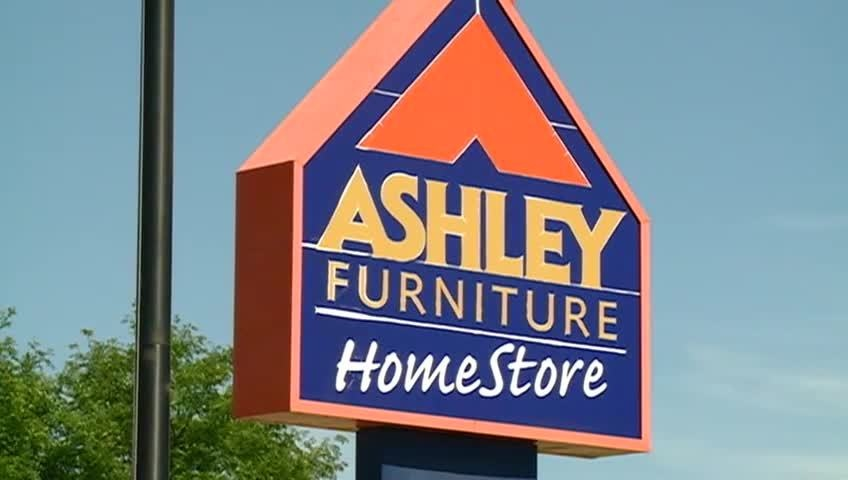 Ashley HomeStore provides gifts for the VMAs