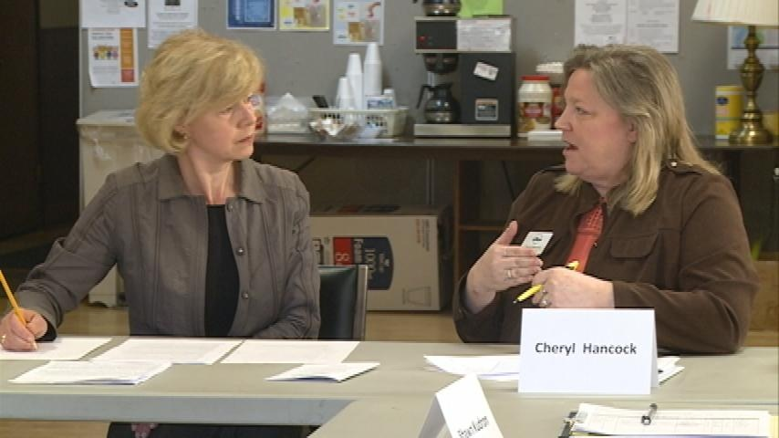 Sen. Baldwin holds roundtable discussion on drugs