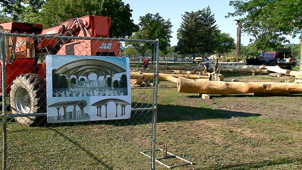Band shell prepares to arch placement in Riverside Park