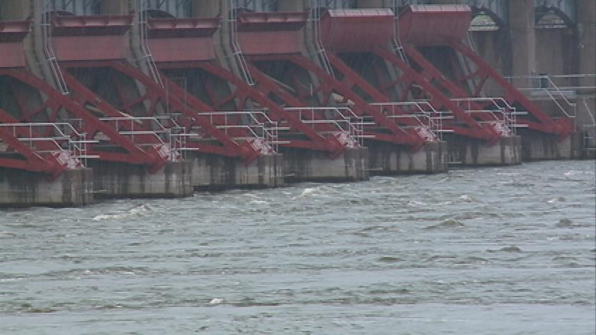 Delay in barge season is costing local farmers lots of money