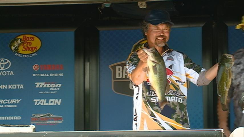 Bassmaster Central Open brings hundreds of anglers day one in La Crosse