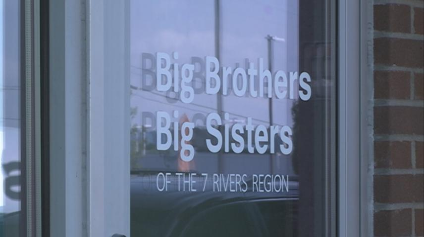 Big Brothers Big Sisters honors CenturyLink for $25,000 donation