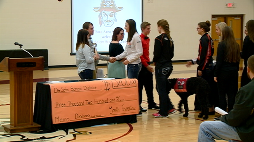 West Salem students hold penny war to help De Soto flooding victims