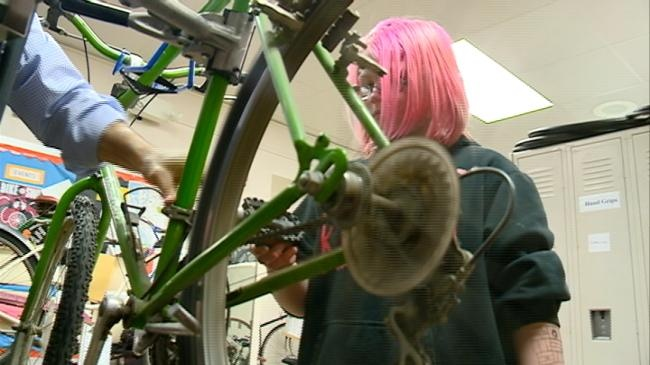 After-school program teaches middle school students bike maintenance
