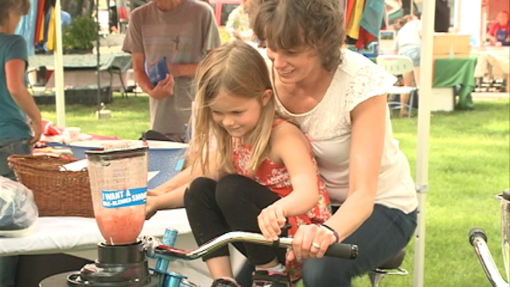Bike scavenger hunt brings community members around La Crosse