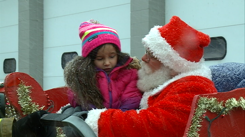 Santa Claus teaches area kids about fire safety